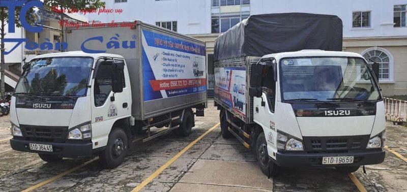 Xe tải 2 tấn chở hàng đi tỉnh